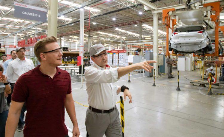1ff19ecb4 Michel Teló visita o Complexo Industrial da Nissan em Resende ...